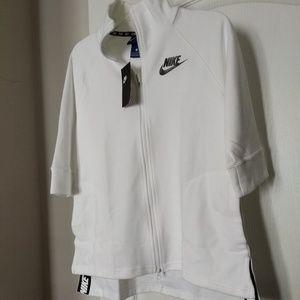 Nike Women Sport Casual Cape